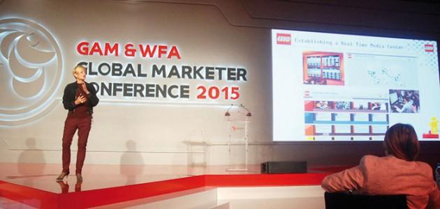 Conny Kalcher, responsable marketing et expériences mode consommateurs Lego.