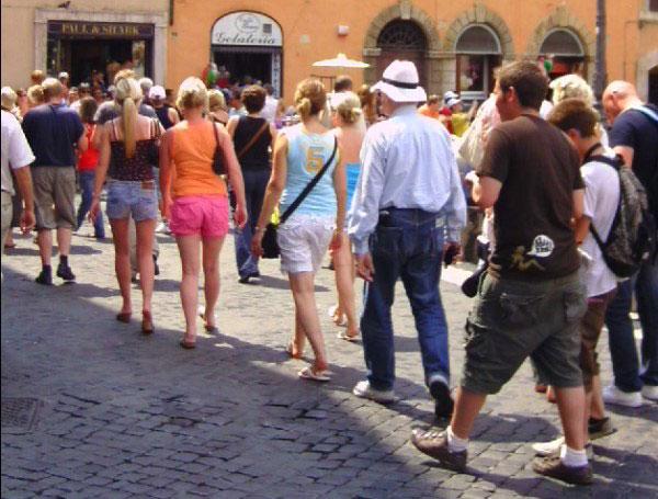 rome-touristes-europeens-fontana-di-trevi