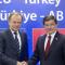 Donald Tusk le président du Conseil européen et Ahmet Davutoglu, le Premier ministre turc