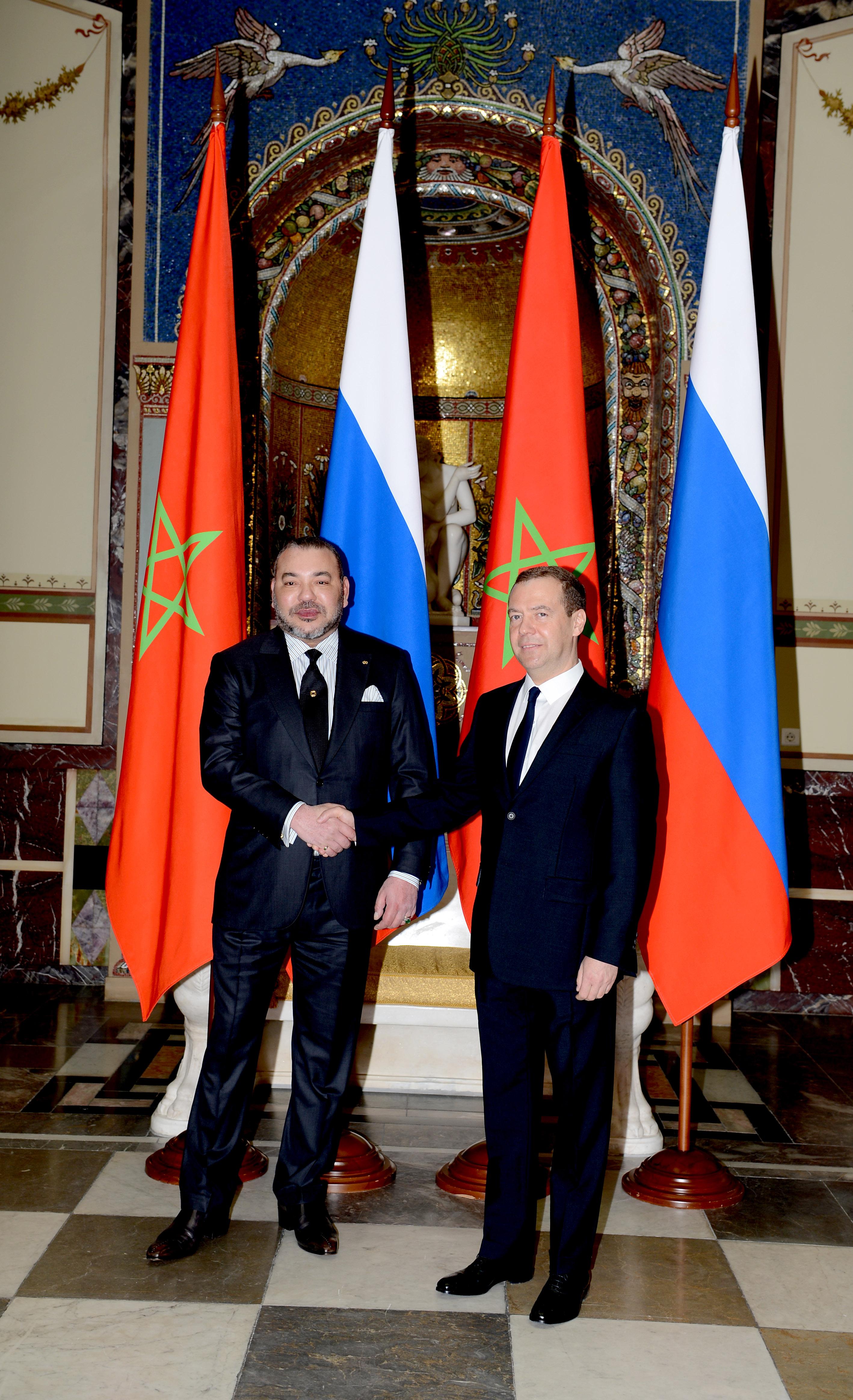 Sa Majesté le Roi Mohammed VI a eu, mercredi à Moscou, des entretiens avec le Premier ministre russe, M. Dimitri Medvedev.