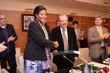 Le Haut-commissaire au plan, Ahmed Lahlimi Alami, et la directrice des opérations pour le département Maghreb, Moyen-Orient et Afrique du Nord de la Banque mondiale, Marie-Françoise Marie-Nelly