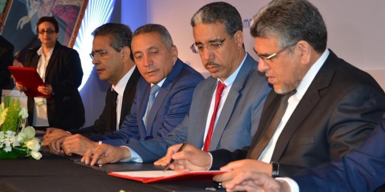 Des membres du gouvernement signent le cadre contractuel relatif à la Stratégie nationale de lutte contre la corruption