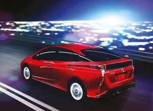 La poupe de la Prius avec ses ailes saillantes est censée illustrer une certaine idée du futur automobile. Certains penseront plutôt aux ailerons des Cadillac des années cinquante…