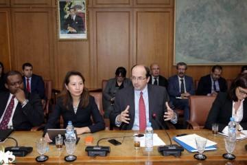 Le chef de la mission de consultation du Fonds monétaire internationale (FMI), Nicolas Blancher, lors d'une conférence de presse à Rabat.