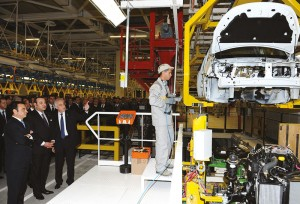SM le Roi Mohammed VI présidant la cérémonie d'inauguration de l'usine Renault-Nissan Tanger, en février 2012.