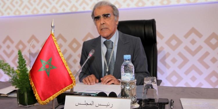 Jouahri donnant lecture à un message royal à la 40ème session du Conseil des gouverneurs des banques centrales arabes