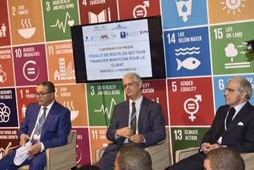 De G à D : Mohamed Boussaid, ministre de l'Economie et des Finances, Nizar Baraka, Président du comité scientifique COP22 et Abdelatif Jouahri, Wali Bank Al Maghrib.