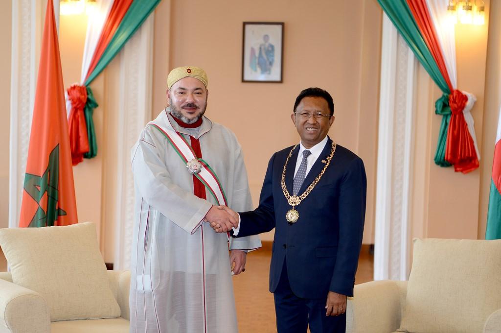 SM le Roi et le président malgache président la cérémonie de signature de vingt-deux accords de coopération bilatérale