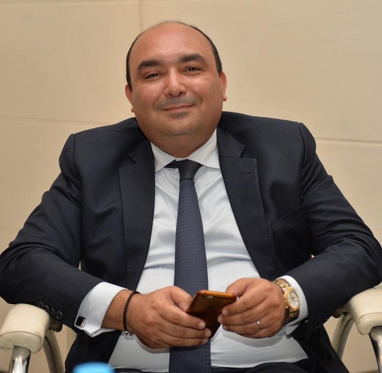 Moncef BELKHAYAT, Ancien Ministre , Vice Président de la région Casa-Settat, Membre élu du Conseil de la Ville de Casablanca, Et Président fondateur du groupe DISLOG.