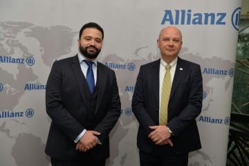 De gauche à droite : Hicham Raissi, directeur division Afrique Moyen Orient et Inde de Allianz et  Dirk De Nil, administrateur directeur général  Allianz Maroc