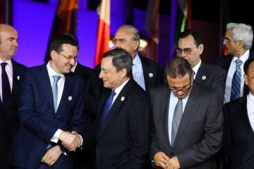 Mohamed Boussaid, ministre de l'Economie et des Finances aux côtés de Mario Draghi,  président de la Banque Centrale Européenne