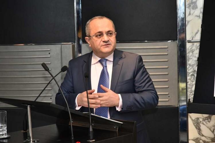 Brahim  Benjelloun-Touimi, administrateur directeur général exécutif du Groupe et président de Bank of Africa