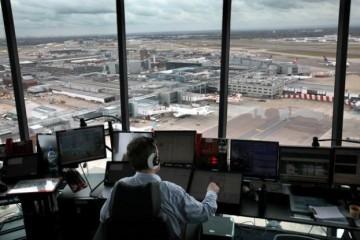 controleurs-aeriens-tour-de-controle-aeroport-roissy-charles-de-gaulle-trafic-securite-greve-compagnies-avions-appareils-ligne-long-courrier-servic-minimum-loi-diard-patrick-gandil-dgac