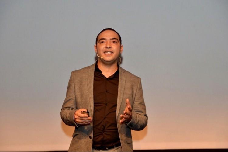 Ayoub Basaid, chef du département produits mobile de Samsung Electronics Maghreb Arab