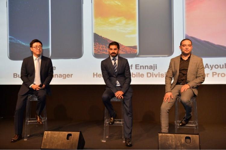 H.S Lee, Business Manager, Achraf Ennaji, directeur IT et mobile et Ayoub Basaid, chef du département produits mobile de Samsung Electronics Maghreb Arabe