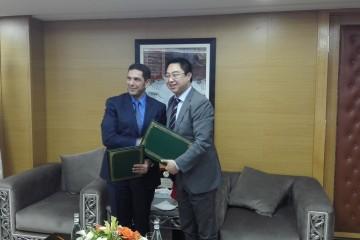 Saaïd Amzazi, président de l'Université Mohammed V de Rabat et Zhao Guohui, DG de HuaweiMaroc