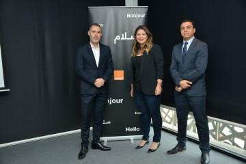 Jérôme Ferrari Fromager, directeur Marketing Grand Public, Sakina El Fares, directrice Communication Commerciale et Mehdi Chtioui, directeur Ventes Indirectes d'Orange Maroc