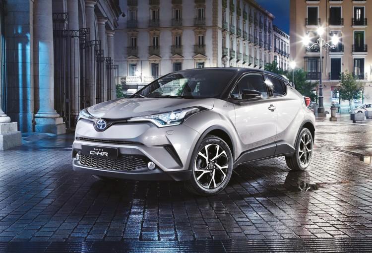 Jusqu'ici absent du segment des crossovers, Toyota soigne son entrée avec le nouveau C-HR, jouant sur le style et la technologie hybride pour se faire une place sur un marché largement convoité