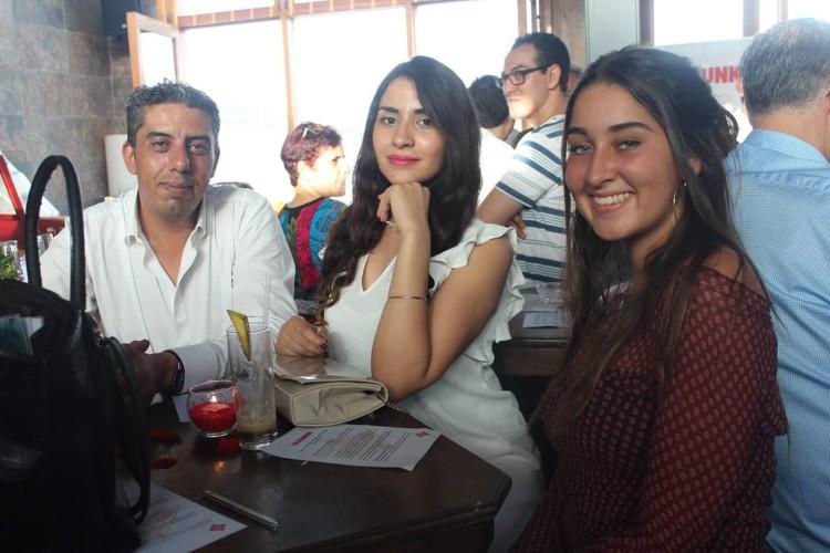 Ihsane Lmakroud, Key Account Manager de We Do, Sabrine Choual, Marketing Assistant de We Do et Zineb Moufti, journaliste