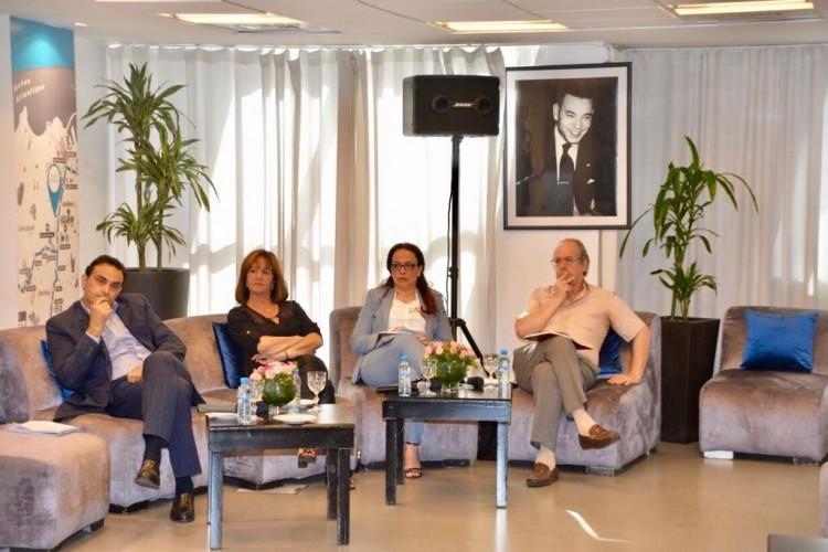 Redouane Mfadel, modérateur, Soumaya Naamane Guessous, Bouchra Benhida Rahmouni et Mostafa Aboumalek, membres du comité scientifique de l'Observatoire Wafasalaf