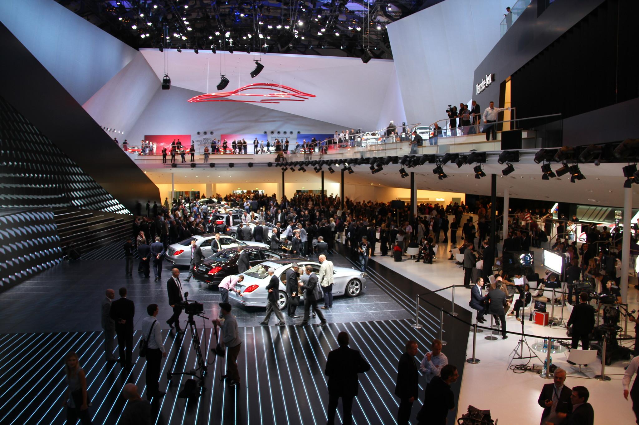 Salon de l 39 auto de francfort plus de 200 premi res mondiales - Salon de l automobile francfort ...