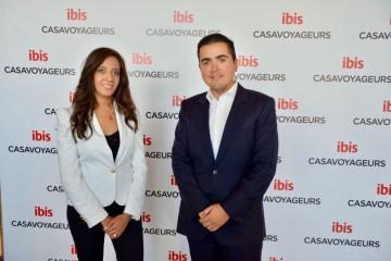 Ibtissam Bouznadi, directrice de Ibis Casa-Voyageurs et Ismail Loubaris, directeur Ventes, Marketing et Distribution de  AccorHotels Maroc