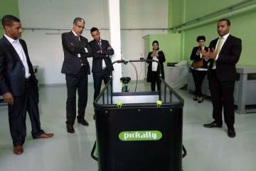 Aziz Rebbah, maire de Kénitra, Abdelaati Iguider, athlète et Brahim Belghiti, DG de Pickalty Maroc