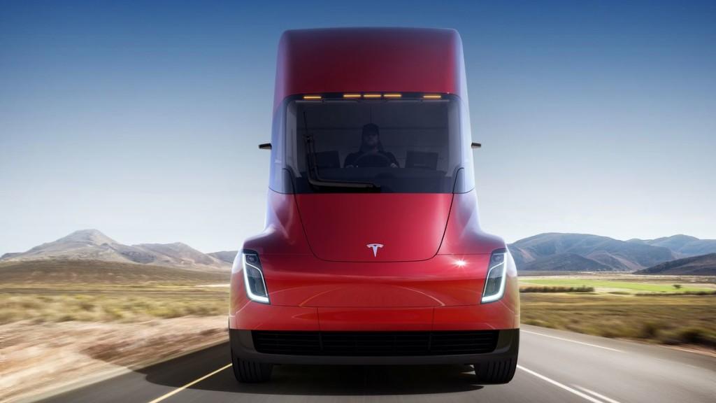 La Tesla Semi accélère de 0 à presque 100 km à l'heure en seulement 5 secondes.