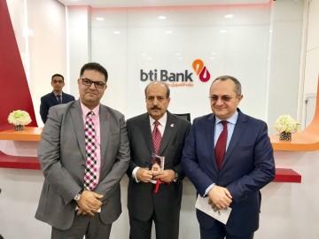 Mohamed Maarouf, DG de BTI Bank, Adnan Ahmed Yousif, président d'Al Baraka Banking Group et Brahim Benjelloun Touimi, président de Bank of Africa