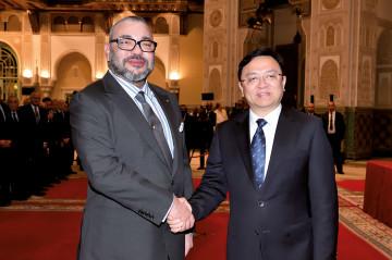 SM le roi Mohammed VI et Wang Chuanfu, président du groupe BYD Auto Industry