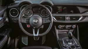 Alfa-Romeo-Stelvio-QV-2