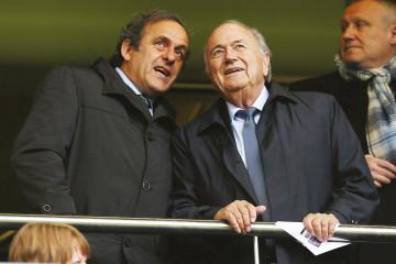 Michel Platini, ex-président de l'UEFA et Sepp Blatter, ex-président de la FIFA