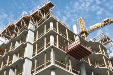 Le flottement de la devise permet une flexibilité parmi les principaux opérateurs du secteur de l'immobilier.