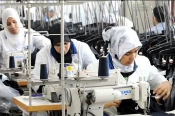 La proportion des actifs occupés n'ayant aucun diplôme a varié, durant l'année écoulée, entre 44,2% dans la région de Laâyoune-Sakia El Hamra et 66,5% à Béni Mellal-Khénifra.