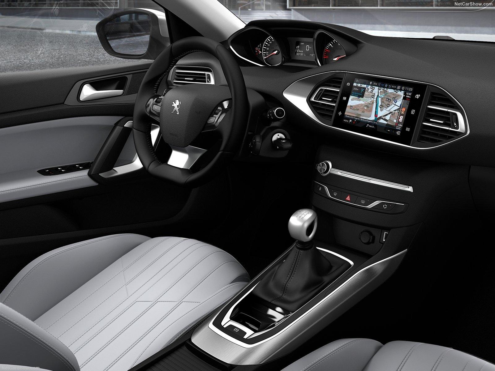 Peugeot-308-2018-1600-16