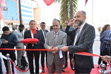 Mohamed Adib, DG de Bank Al Yousr et  Kamal Mokdad DG en charge de l'International de la BCP