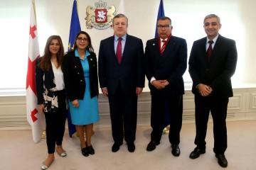 A droite le premier ministre géorgien, Guiorgui Kvirikachvili, Nawal El Moutawakel et Samira Sitail. A sa gauche Kamal Lahlou et le consul honoraire du Maroc à Tbilissi