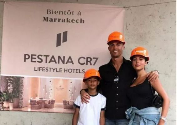 Football Ronaldo inspecte le chantier de son hôtel à Marrakech
