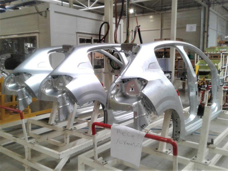 L'emboutissage permet de modéliser via des tôles d'acier toute une série d'éléments de carrosserie.