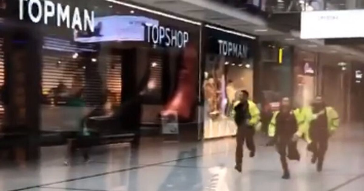 Cinq personnes blessées dans une attaque au couteau — Manchester